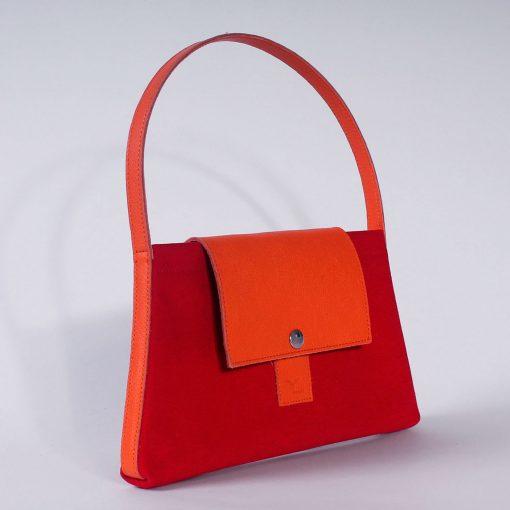 Mini sac Mini-Makila en toile rouge et cuir orange avec rabat en cuir orange (dos)